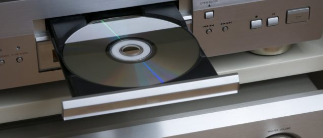 dvd-player-an-kompaktanlage