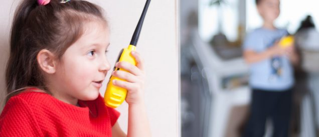 Walkie-Talkie Kinder Test im Haus